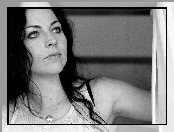 Amy Lee, biały top